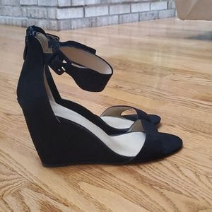 Chinese Laundry black faux suede wedges